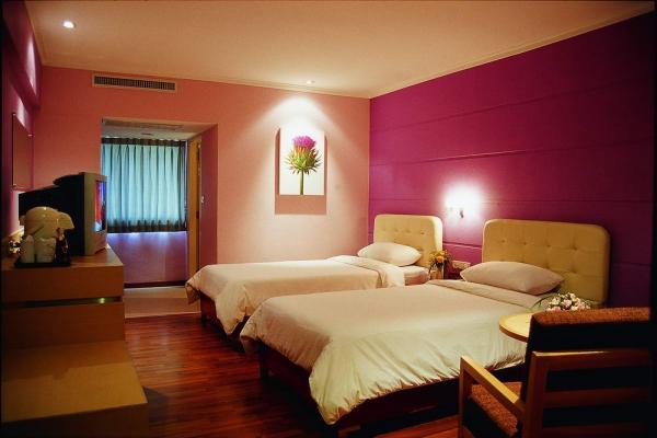 guest-room06284356FD-C5AA-79F7-B1A2-087F3B54B2ED.jpg
