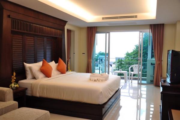 room0143EADEF0-8CAA-9412-58B5-A1A4560153CF.jpg