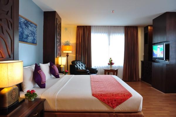room063E4EDBEB-6440-C98C-9769-1DEA6A786F54.jpg