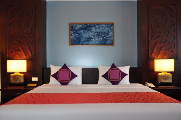 room083460F468-BD92-4271-B809-541E484C9329.jpg