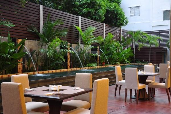 restaurant01C9A8C9BF-A379-E227-91F5-1E6C8090F26F.jpg