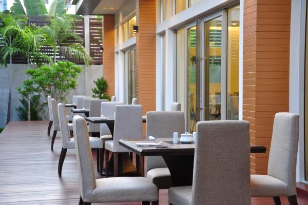 restaurant021DCE6C9D-A544-C32A-B12E-DD2494219FE7.jpg