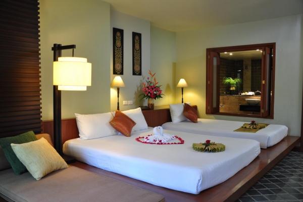 hotel-room0606A4CEF8-F999-3E3B-22FF-E8387EA6C473.jpg