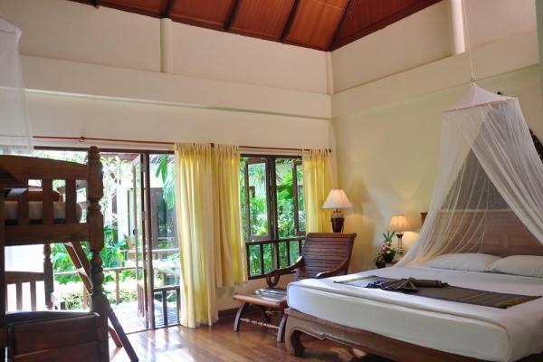 hotel-room22CCCA9307-E551-7F1F-8DC6-CE60C4E897A2.jpg