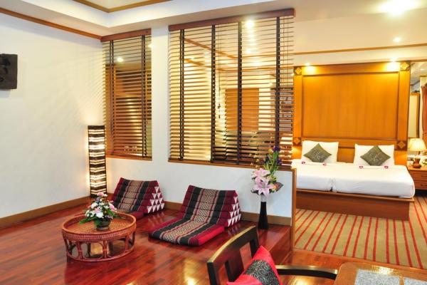 hotel-room23D899012E-0B07-4DA0-A25F-608D7C478876.jpg