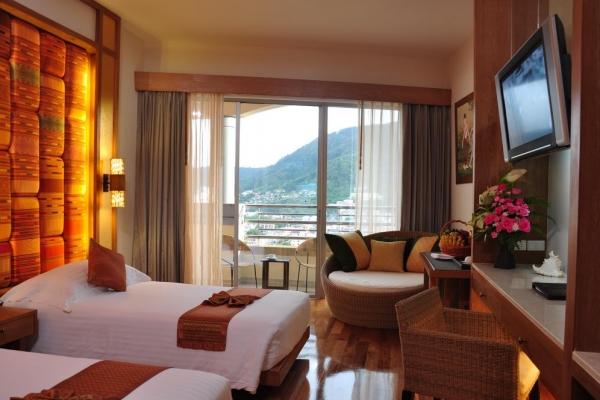 hotel-room40F33C8726-5575-ADD1-E232-AF766B701370.jpg