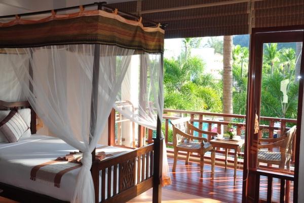 hotel-room4387391E13-B404-13C2-7497-69B94C93753B.jpg