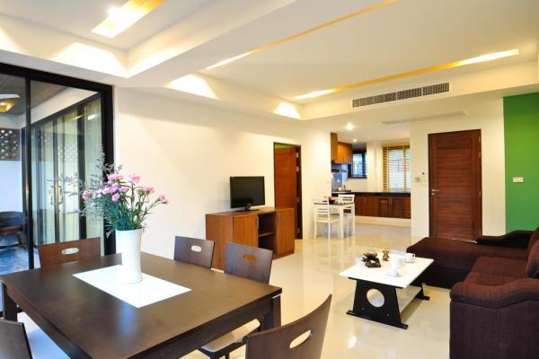 hotel-room522AD01296-F384-D0F0-7F97-C34892D4A6C8.jpg